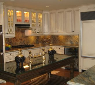 Traditional kitchen pained cabinets with island